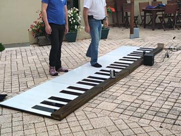 教你如何制作一个可折叠的落地钢琴!