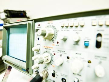 结合实例讲解如何使用示波器快速维修与CPU及总线相关的故障