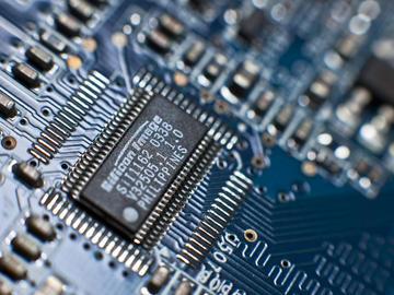 基于C3M0075120D SiC MOSFET的高效率电源转换电路设计