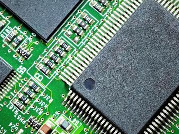 基于STM8系列8位通用MCU的电容式触摸感应电路方案设计