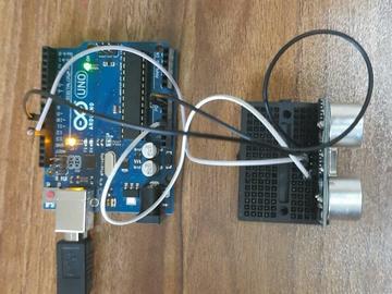 如何将超声波传感器与 Arduino 连接