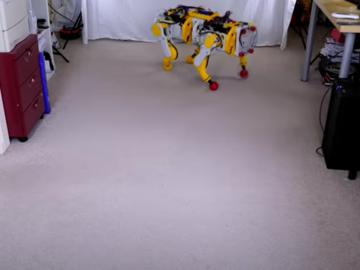 上下楼梯和障碍物上爬的多地形机器人