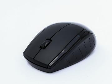 基于单片机和触控模块的3D无线射频鼠标的设计与实现