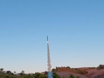 基于 Teensy 4.1 的高级推力矢量火箭设计
