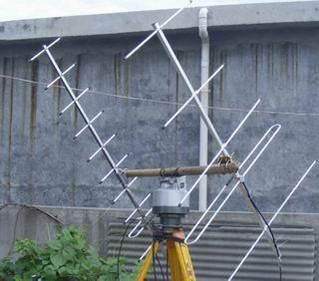 衛星自動追蹤云臺