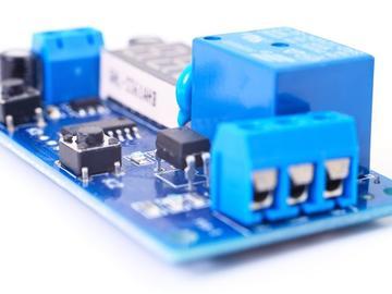 基于射频模块的机载大功率射频同轴继电器的工作原理电路方案设计