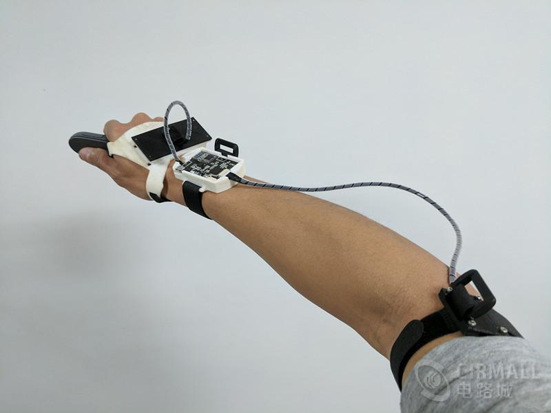 【2017贸泽大赛】二等奖作品:VR视角远程牵引控制机械臂