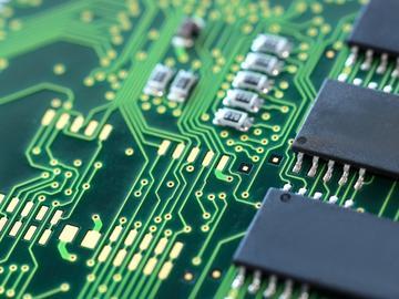 基于亚德诺ADA4805的精密运算放大器电路设计