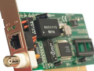 基于LLC谐振控制器的器件加速运行的应用方案设计
