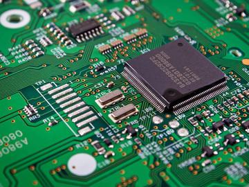 基于CY8C20336A+AD7873组合的工业级触摸电路设计