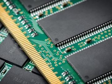 基于80C186X DRAM控制器的CPLD解决方案设计