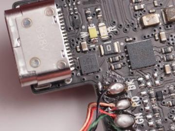 知人知面不知芯,国外知名智能音箱拆解:炬芯ATS2835蓝牙Soc+CP2233音频功放的纯国产电路方案?
