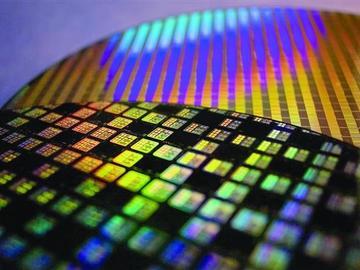 华为发布800G光芯片,任正非:全世界都做不到!