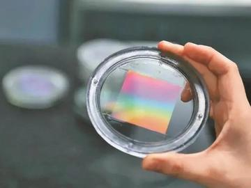 柔性纳米压印技术实现光谱仪由大型科研仪器走向便携应用
