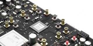 基于混合信号RF IC的宽带SDR设计方案
