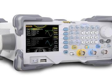 基于EPLD器件MAX7256ATC144-6简化任意波形发生器SDRAM控制器方案设计