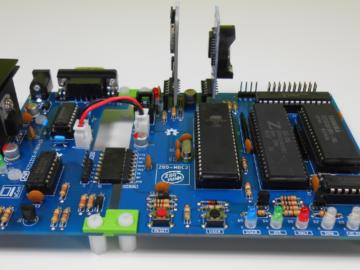 只需4块IC,基于Z84C00和Atmega32A打造的开源计算机平台
