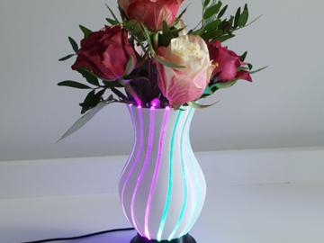 通过3D打印制作可发光花瓶