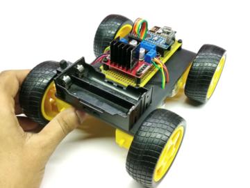 基于 Arduino开发板实现的游戏杆控制智能车电路方案设计(原理图+源码)