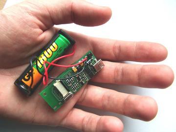 可以监测微弱的电信号的生物监测仪