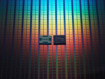 全球首创!美光单芯片整合12GB LPDDR5内存、256GB 96层闪存