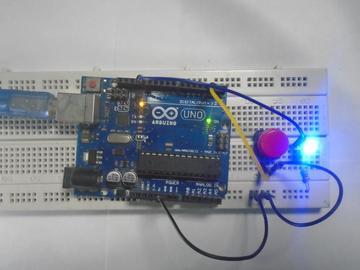 如何将按钮与 Arduino 连接起?