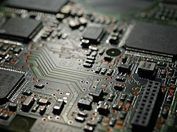基于LM4128-Q1的传感器电路供电设计