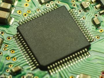 基于触摸感应的电路ESD保护结构设计方案