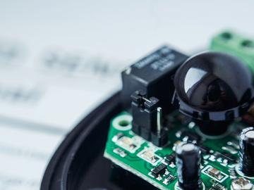 基于一种适用于低功率和高功率LED照明系统的电路方案设计