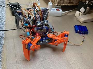基于 Arduino的四足机器人模型