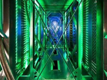 基于NCP3284電源轉換器的更小、更緊湊、更高效和更精密的數據中心智能電源電路設計