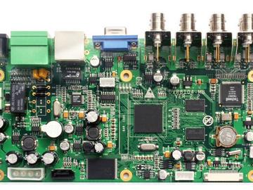 基于TPS25940-Q1的电流检测和电池短路保护电路设计