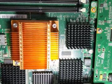 拆解华为存储控制器:做工严谨,电路结构清晰