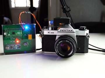 基于树莓派的相机远程快门电路
