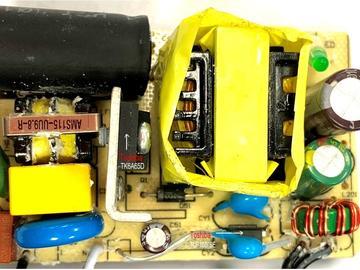 基于Richtek RT7736+Toshiba 的24W 适配器方案