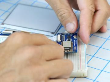 基于ESP8266控制的电子纸电子相框