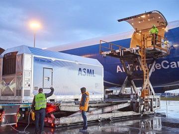 半导体工艺发展势头迅猛,ASML公司2019年出货26台EUV光刻机,明年将翻倍