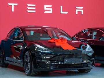 价格屠夫—特斯拉Model 3电动车23万开卖,半导体产业链影响几何?
