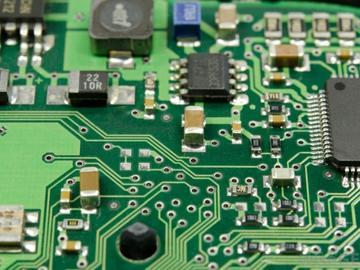 基于TPS62740的无电池电源管理电路设计