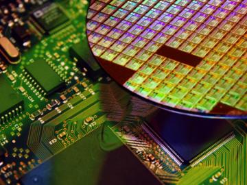 基于F-RAM構建的電池供電設備如何確保可靠的系統設計?
