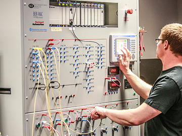基于现场总线技术实现多台联网的PLC网络设计方案