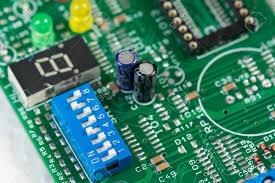 基于LTC3225的150mA超级电容充电器电路设计