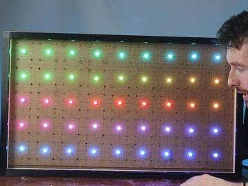 使用 Raspberry Pi 的交互式 LED 触摸屏