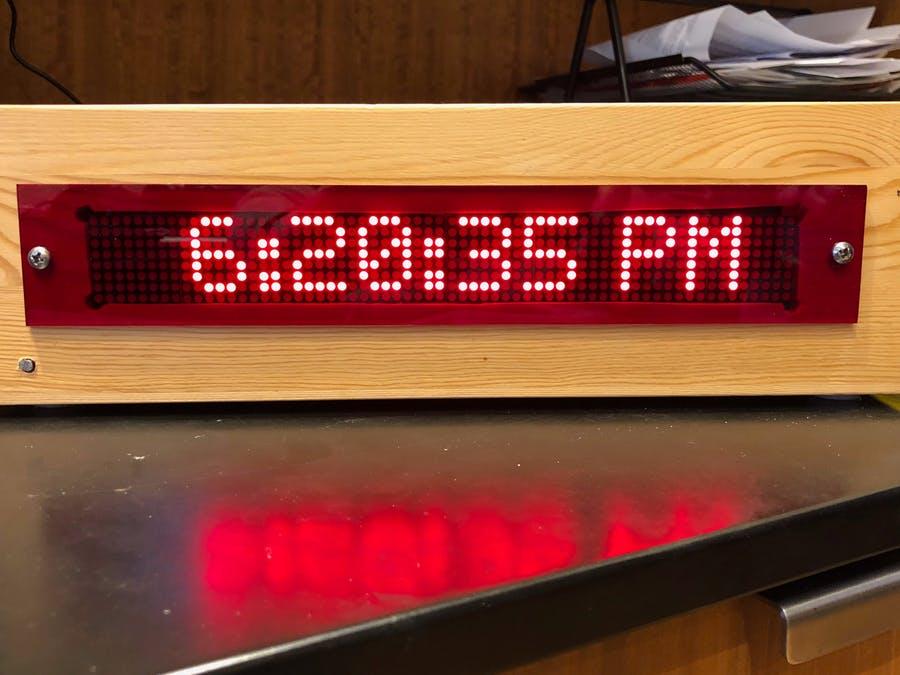 滾動LED矩陣時鐘