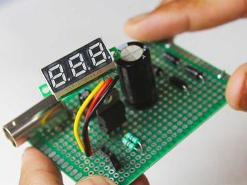 DIY一个基于LM317的可变电压调节器
