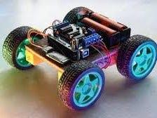 基于 Arduino UNO 的蓝牙汽车