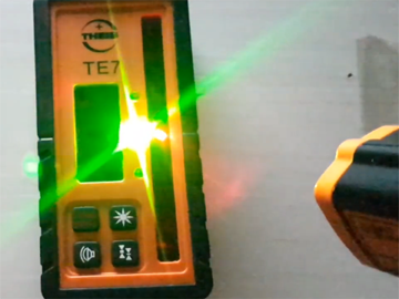 拆解德国激光扫平仪:震惊于严谨的内部电路设计和防护做工