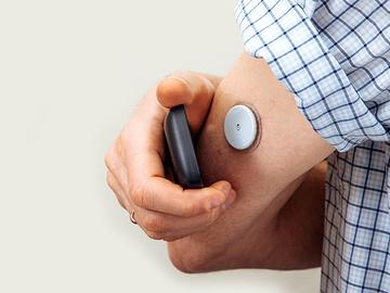 更加智能:智能电池电量计如何有效改进动态血糖监视仪的电池使用寿命