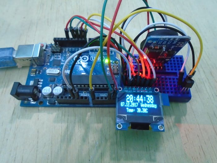 具有实时时钟的Arduino OLED温度显示器