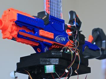 国外大神DIY智能哨兵机器人